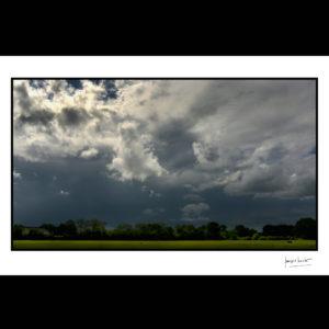 normandie orage sur saint-gatien-des-bois © francois louchet